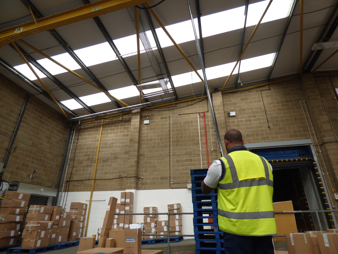 Warehouse cleaning with SpaceVac high level cleaning tool-2